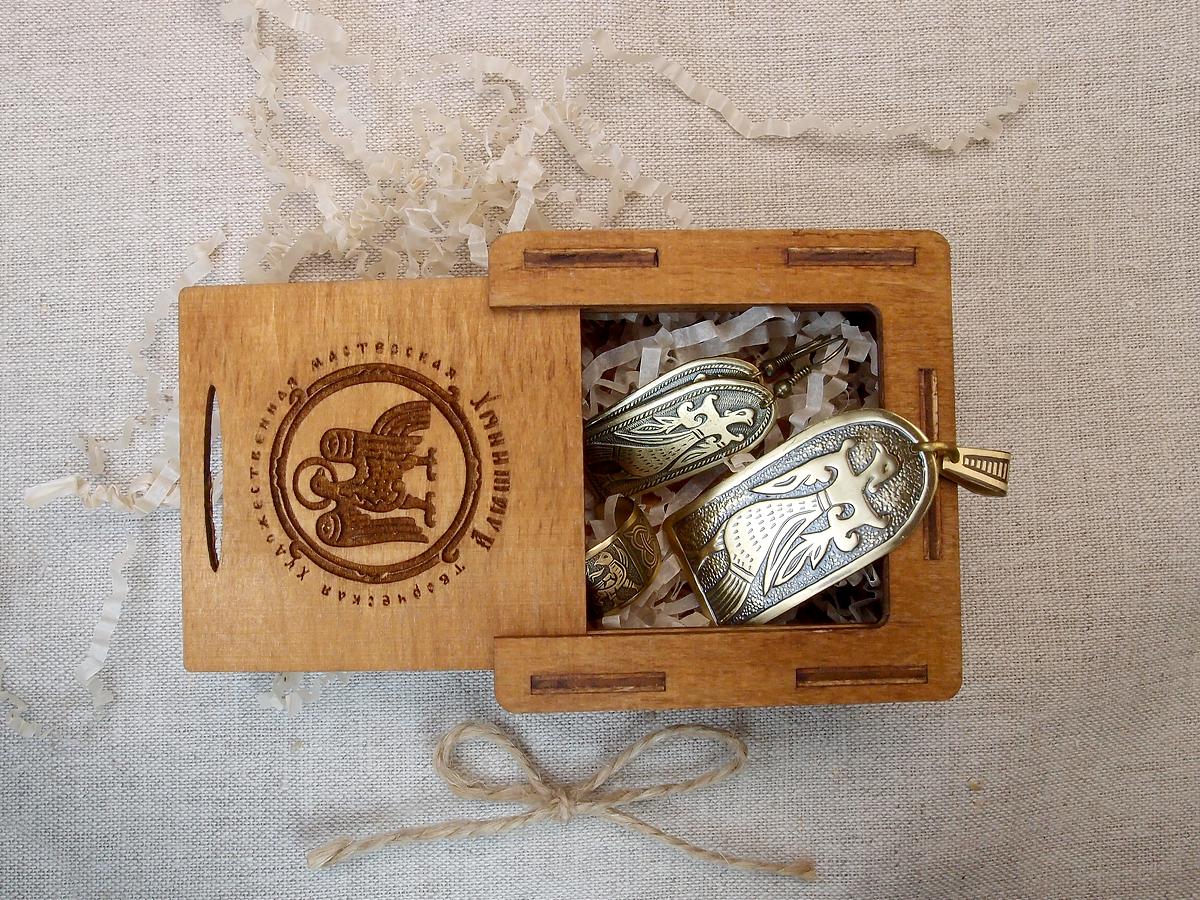 "Jewelry set ""Virgo Bird"" in a gift box."